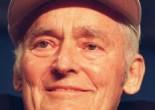 Биография Сэма Уолтона очень богата совершенными им крупными делами. Уолтон является американцем, который за всю свою жизнь сумел сделать невозможные дела. Родился он в тысяча девятьсот восемнадцатом году и скончался в тысяча девятьсот девяносто втором.